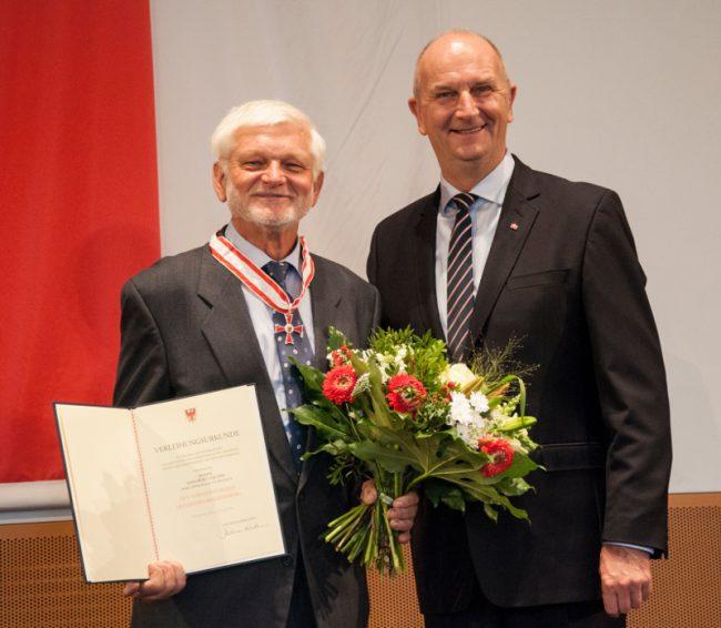 Edelbert Jakubik mit dem Verdienstorden des Landes Brandenburg ausgezeichnet